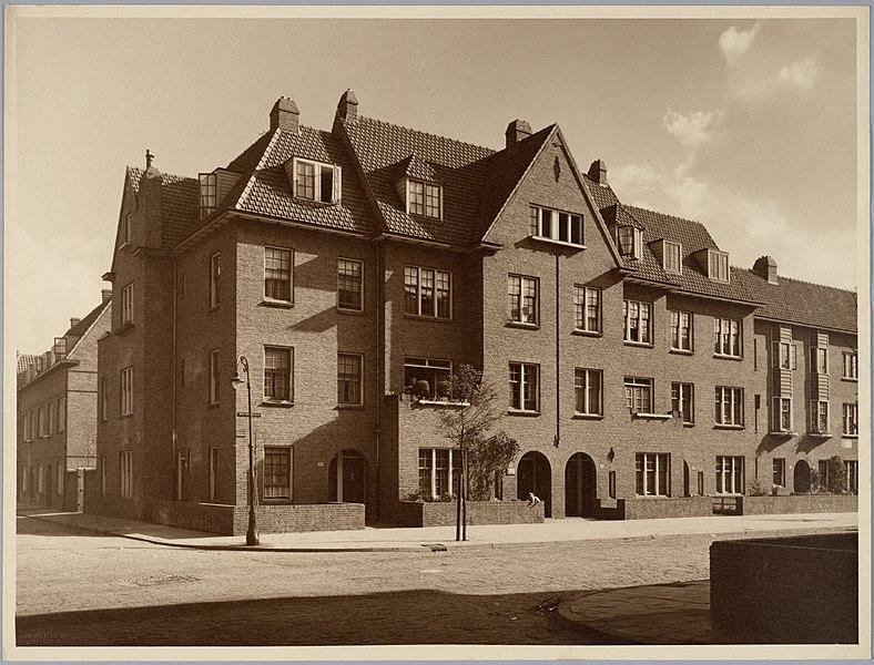 File:Gemeentelijke woningbouw Den Haag - Municipal Housing The Hague (6828952127).jpg