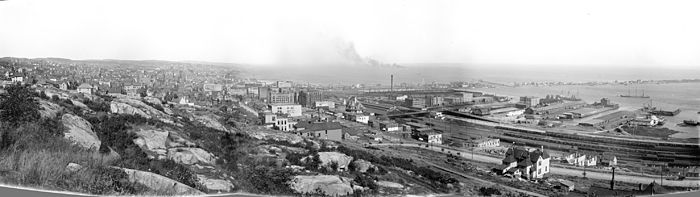 General view from bluffs, Duluth, Minn. c1898