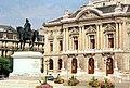 Genf, das Grand Théâtre und die Statue für Guillaume-Henri Dufour.jpg