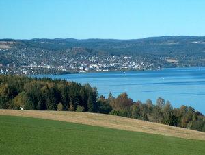 Gjøvik von Nordlia aus gesehen, aus Richtung Süden