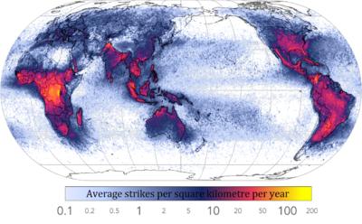 Dúvidas quanto a proteção de rede elétrica doméstica 400px-Global_lightning_strikes