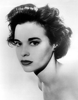 Gloria Vanderbilt 1959.JPG