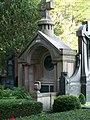 Grabstätte auf dem Ostfriedhof - panoramio (1).jpg