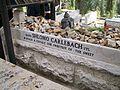 Grave of Shlomo Carlebach.jpg