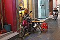 Guilin at night-12-Mann und Mopeds-2012-gje.jpg