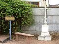 Gy-les-Nonains-FR-45-croix-cimetière-01.jpg