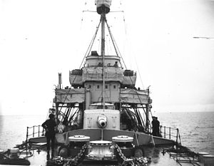 HMS Galatea forward 6-inch gun Feb 1917 LAC 3398104.jpg