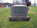Henry Ward Beecher Grave by David Shankbone.jpg