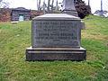 Henry Ward Beecher Grave by David Shankbone.jpg