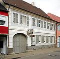 Herrschaftliches barockes Hofhaus in Lambsheim.jpg
