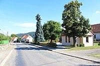 Horní Loučky, náves (2013-08-01; 03).jpg