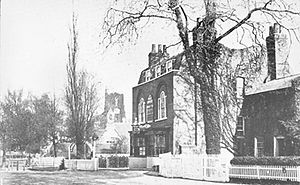 Hornsey - Hornsey High Street in 1873, with the old Three Compases pub building in the centre