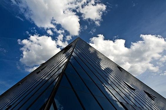 Hotel Pyramide 001 (Fürth).jpg