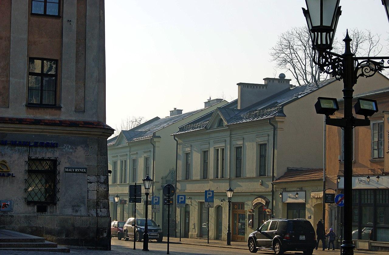 File house 11 13 sienna street old town krakow poland for Sienna house