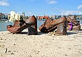 Hungary-02400 - Shoes on the Danube (32460224482).jpg