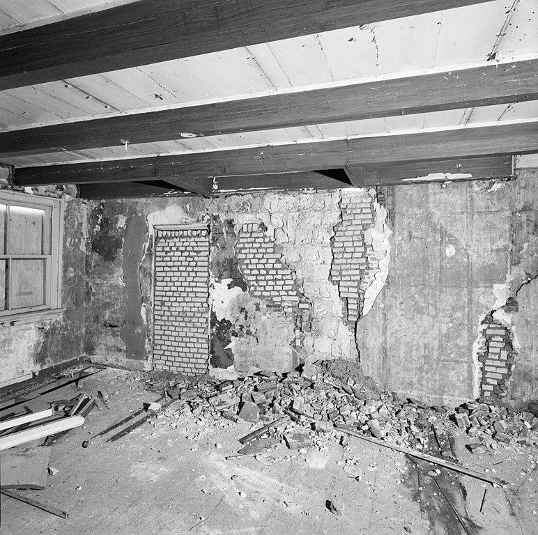 File interieur tweede verdieping kamer rechts muur amersfoort 20292539 - Muur kamer kind ...