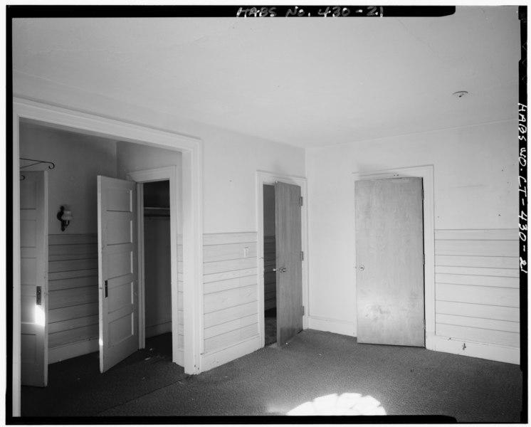 Hartford Dining Room Furniture