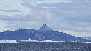 Ikerasak - Ikerasak island seen from Uummannaq
