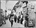 Israel straat in Jeruzalem met Arabieren, Bestanddeelnr 923-5164a.png