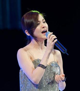 Ivy (singer) - Ivy performing in 2009