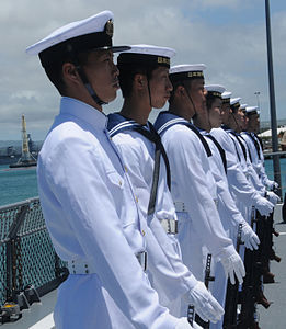 JS Kashima's guard of honour -8 Jun. 2010 b.jpg