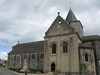 Jazeneuil - Église Saint-Jean-Baptiste - vue de côté (2010-05).jpg