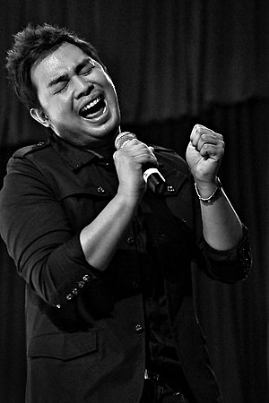 University of San Agustin - Television presenter, singer-songwriter and recording artist, Jed Madela.