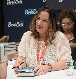 Jennifer Armentrout at BookCon (16059).jpg