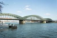 Köln – Hohenzollernbrücke 2016 01.jpg