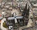 Kölner Dom Luftbild - cologne cathedral aerial (24984870429) (cropped).jpg