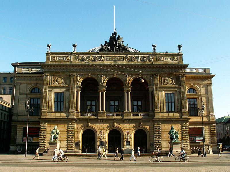 File:København Det Kongelige Teater (National Theater).jpg