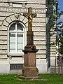Kříž na křižovatce Marešova-Joštova 1.jpg
