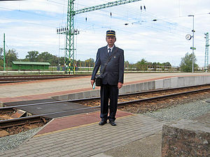 Conductor (rail) - Hungarian MÁV conductor