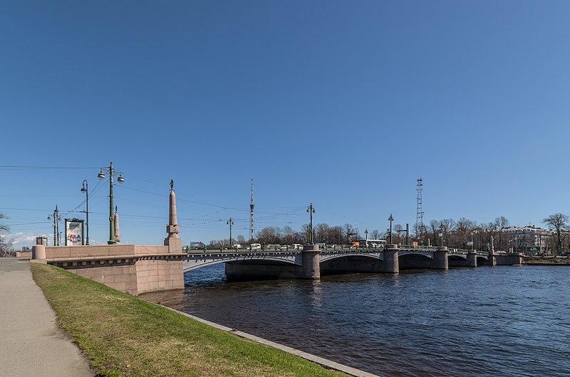 Kamennoostrovsky Bridge 1.jpg