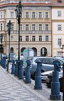 Karel Nepraš, Malostranské náměstí 657.jpg
