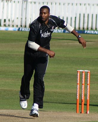 Kieron Pollard - Kieron Pollard bowling for Somerset during the 2010 FPt20.