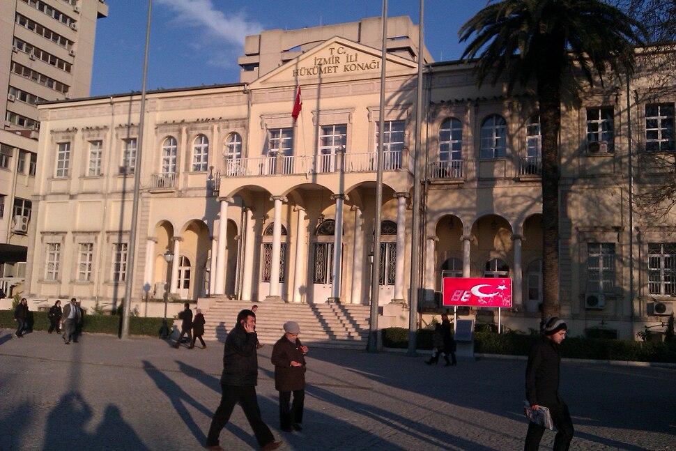 Konak Square, Izmir
