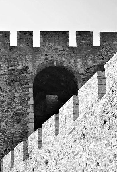 File:Kula smederevske tvrđave izbliza.jpg