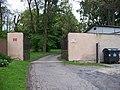 Kunratický zámecký park, vjezd entomologické oddělení.jpg