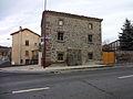 La Chomette, vieille maison en pierre de Volvic.jpg