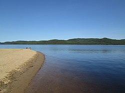 Lac Jacques-Cartier - Plage 1.jpg