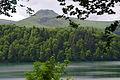 Lac Pavin au coeur des volcans d'Auvergne dans le parc naturel régional des Volcans d'Auvergne.jpg