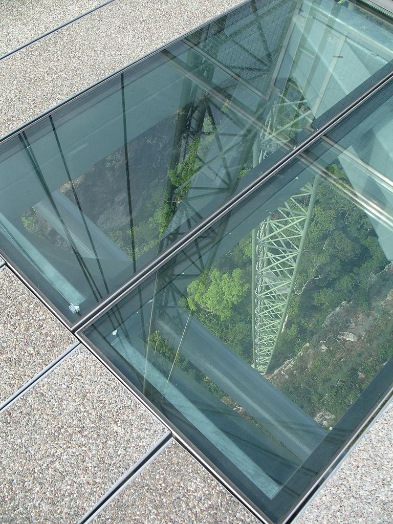 FileLangkawi Sky Bridge Glass FlooringJPG