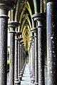 Les colonnes de l'eglise du Mont-Saint-Michel.jpg