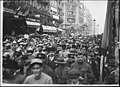 Les troupes françaises défilant rue de Rivoli au milieu de la foule - Paris 01 - Médiathèque de l'architecture et du patrimoine - APZ0008106.jpg
