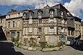 Limoges-place-de-la-fontaine-des-Barres.jpg
