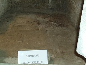 Abbey of Saint Martial, Limoges - Image: Limoges Crypt 03 Tomb of St Valerie