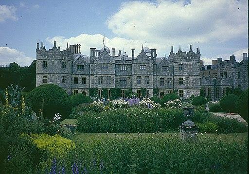 Longford Castle front