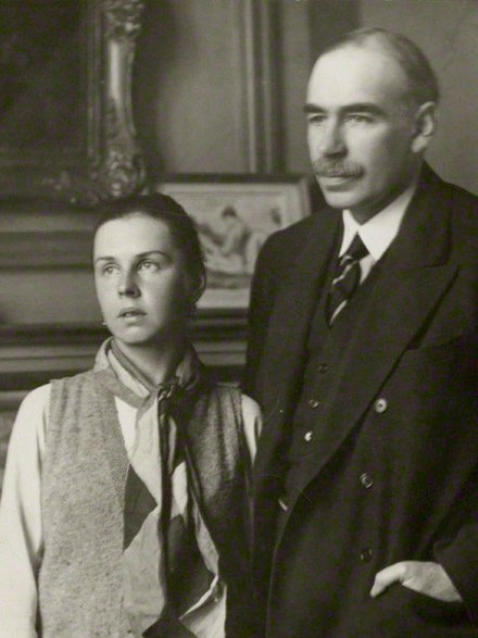 Lydia Lopokova and Keynes in the 1920s Lopokova and Keynes 1920s (cropped).jpg