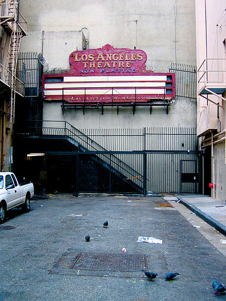 File:Los Angeles Theatre (149192312).jpg